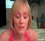 Image Blonda matura convinsa sa faca un oral filmata