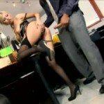 Image Isi fute secretara la birou
