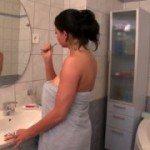 Image Tanara cu sanii mari se fute cu prietenul ei in baie