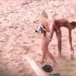 Image Blonda se fute cu prietenul ei pe nisip