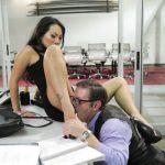 Image Pentru un loc de munca se iubeste cu patronu