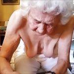 Image Baba de 70 de ani face masaj la pula nepotului