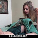 Image Adolescenta frumusica invita un prieten sa o futa ca duce lipsa