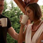 Image Tina Hot fututa in timp ce-si bea cafeaua