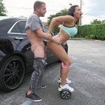 Image Bunaciune pe hover board suge pula in parcare intre masini
