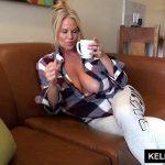 Image Savureaza o cafea si imediat fac o partida de sex