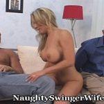 Image Cu sotul ei de fata se fute cu altu si acesta nu zice nimic