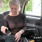 Image Matura imbracata provocator dusa la marginea padurii si penetrata in taxi fake
