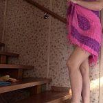 Image Menajera virgina face curatenie dezbracata si se masturbeaza pe scara proaspat spalata