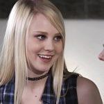 Image Milfe lesbiene cu libidoul crescut isi dau limbi in pizda si se masturbeaza brutal