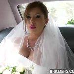 Image Mireasa condusa cu limuzina la altar si fututa pe bancheta din spate de sofer excitat