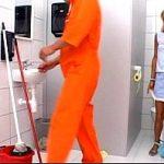 Image Blonda suge pula in baie publica baiatului venit sa spele pe jos