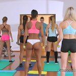 Image Doua fete majore ramase dupa program fac sex cu profu de fitness