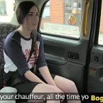 Image Tanara cu sani mici excitata rau si fututa pe bancheta din spate in taxi fake