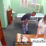 Image Isi viziteaza iubita asistenta la cabinet si fac sex pe masa de consultatii