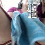Image Farmacista latina cu pizda larga se filmeaza cu telefonu cand se masturbeaza la munca