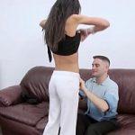 Image Fututa de iubitul ei cu prezervativ sa nu isi dea drumu in pizda ei