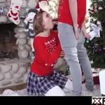 Image Incest cu sora si frate care fac sex langa brad in timp ce parintii pregatesc cadourile