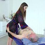 Image Bosorog venit la masaj o pune de-un futai cu o bunaciune de fata