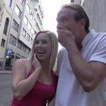 Image Blonda adusa de peste la hotel sa faca sex cu clientul negru