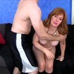 Image Mama considera ca este mai avantajos sa faca sex cu baiatul ei