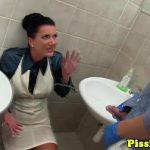 Image Sex cu pisat si sperma in gura la femeie dupa inghite si pisatul