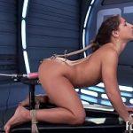 Image Gagicuta nimfomana testeaza o jucarie sexuala care produce orgasme multiple