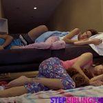 Image Futai in trei cu doua surori dornice de sex