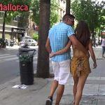 Image Tineri excitati sa saruta pasional pe strazile din Palermo
