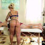 Image Mama ii face un masaj erotic dupa care isi baga pula in pizda