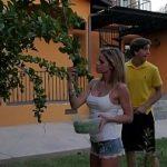 Image Jessa Rhodes fututa de un vecin excitat cu pula in erectie