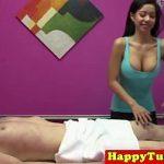 Image Siliconata decoltata face masaj profi la pula cu ejaculare