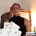 Image Alison Tyler provocata de magician sa se masturbeze la webcam