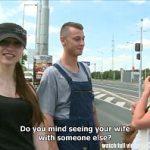 Image Cuplu conving fata tanara cu bani pentru sex in public