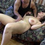 Image Sex matur anal cu ejaculare pe sanii mari si lasati