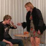 Image Bunicuta abuzata sexual de nepotul betiv cu pula sculata