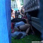 Image Sex pe furis la un concert de muzica electronica