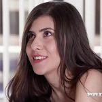 Image Doua fete de 18 ani debuteaza in porno impreuna penetrate de expert