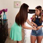 Image O lesbiana matura impreuna cu fata ei fac dragoste