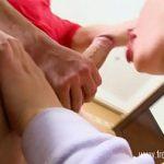 Image Blonda tanara cu sani mari naturali ofera masaj si sex cu finalizare iubitului
