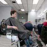 Image Salon de infrumusetare unde frizeritele curve ofera sex cu finalizare