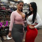Image Scena sexuala cu doua milfe latine care fac shopping si se masturbeaza alaturi de chelios dotat