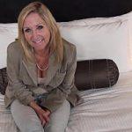 Image Femeie matura speriata de menopauza se apuca de filme porno cu pustani