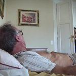 Image Mosu si-o trage neprotejat cu cele doua nepoate majore obsedate de sex