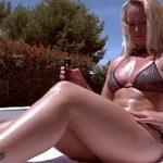 Image Fierbinte milfa face plaja topless in gradina si are pofta de sex cu vecinul viril