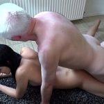 Image Eleva bruneta de 17 ani cu sani mici si pizda stramta sex cu mosulet dotat la 75 de ani