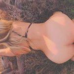 Image Sex pe camp cu o femeie frumoasa blonda focoasa cu tate mari