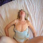 Image Sex pasional in vagin cu blonda matura si pustan excitat cu pula sculata