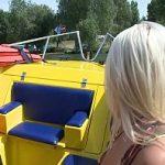 Image Cu barca pe Herastrau barbat matur fute o blonda minora
