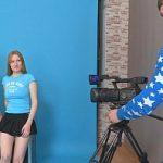Image Lora si Jazzy fete de 18 ani seduc cameraman care le fute in grup